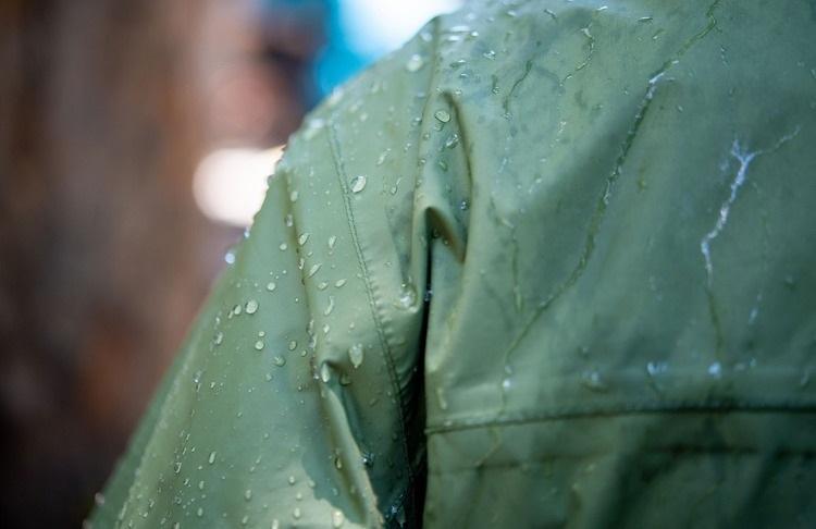 Vải dù không thấm nước và rất dễ làm sạch