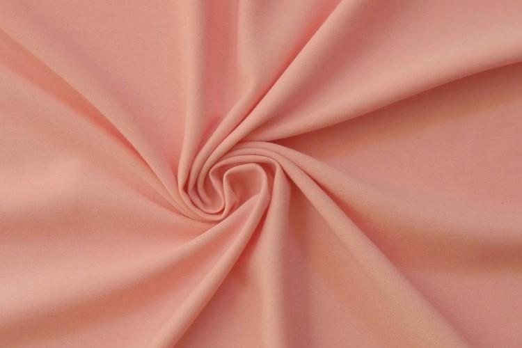 Vải Micro được sử dụng để may áo khoác gió tầm trung và cao cấp